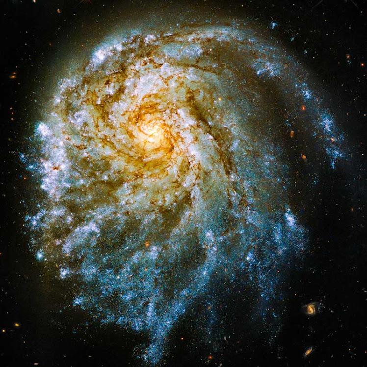 Telescópio Hubble captura a espetacular NGC 2276