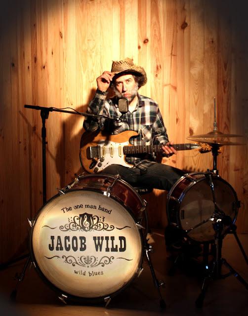 Il est en solo mais il est un groupe à lui tout seul. Lui, c'est Jacob Wild, avec son album wild wild wild.