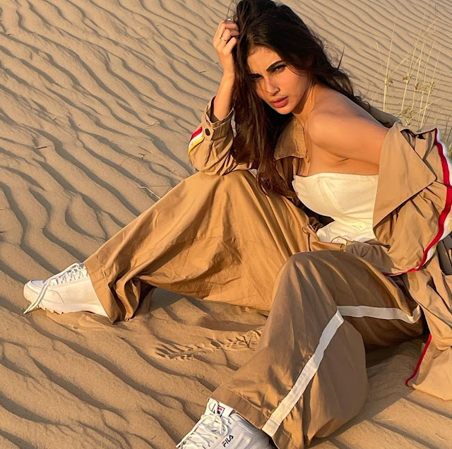 Actress Mouni Roy Looks Hot As She Poses in Midst of Desert