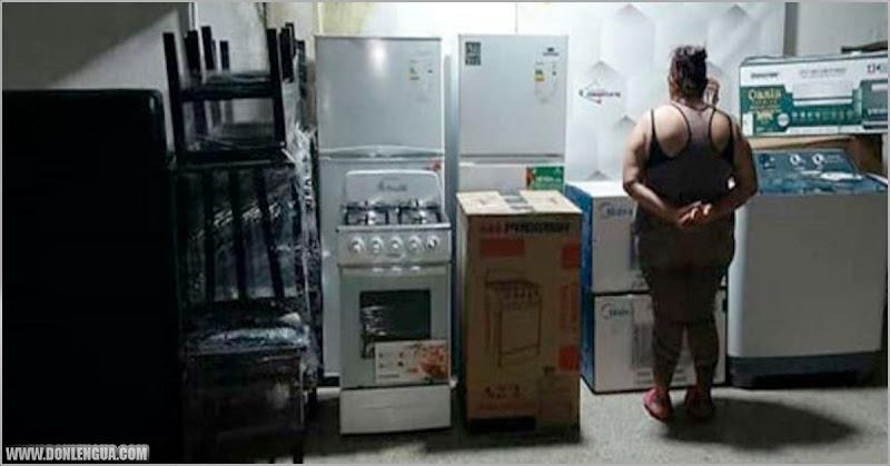 Mujer de las limpiezas se robó los dólares de la casa y se compró todo esto