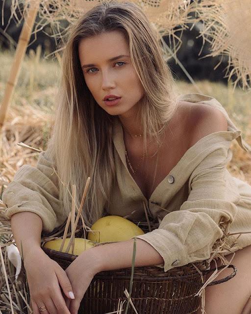 Polina Malinovskaya Photos