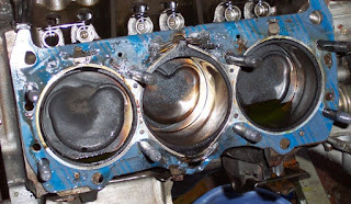 7 Ciri Gasket/Packing Kepala Silinder Mesin Bocor - AutoExpose