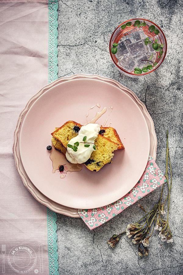 Jogurt kolač sa borovnicama