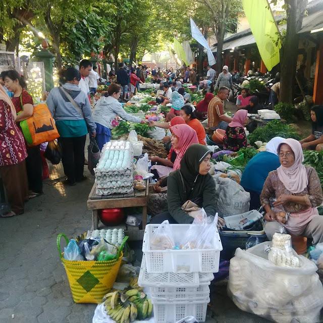 Pasar Sentul