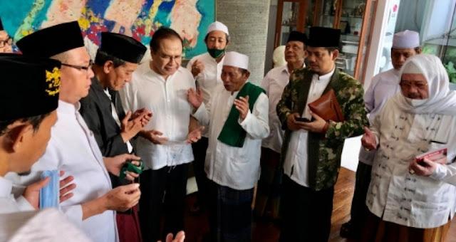 Kiai Kultural Jawa Timur dan Jateng Daulat Rizal Ramli Benahi Perekonomian Nasional