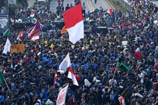 Diluar Dugaan! 15.000 Mahasiswa Siap Jadi Relawan COVID-19