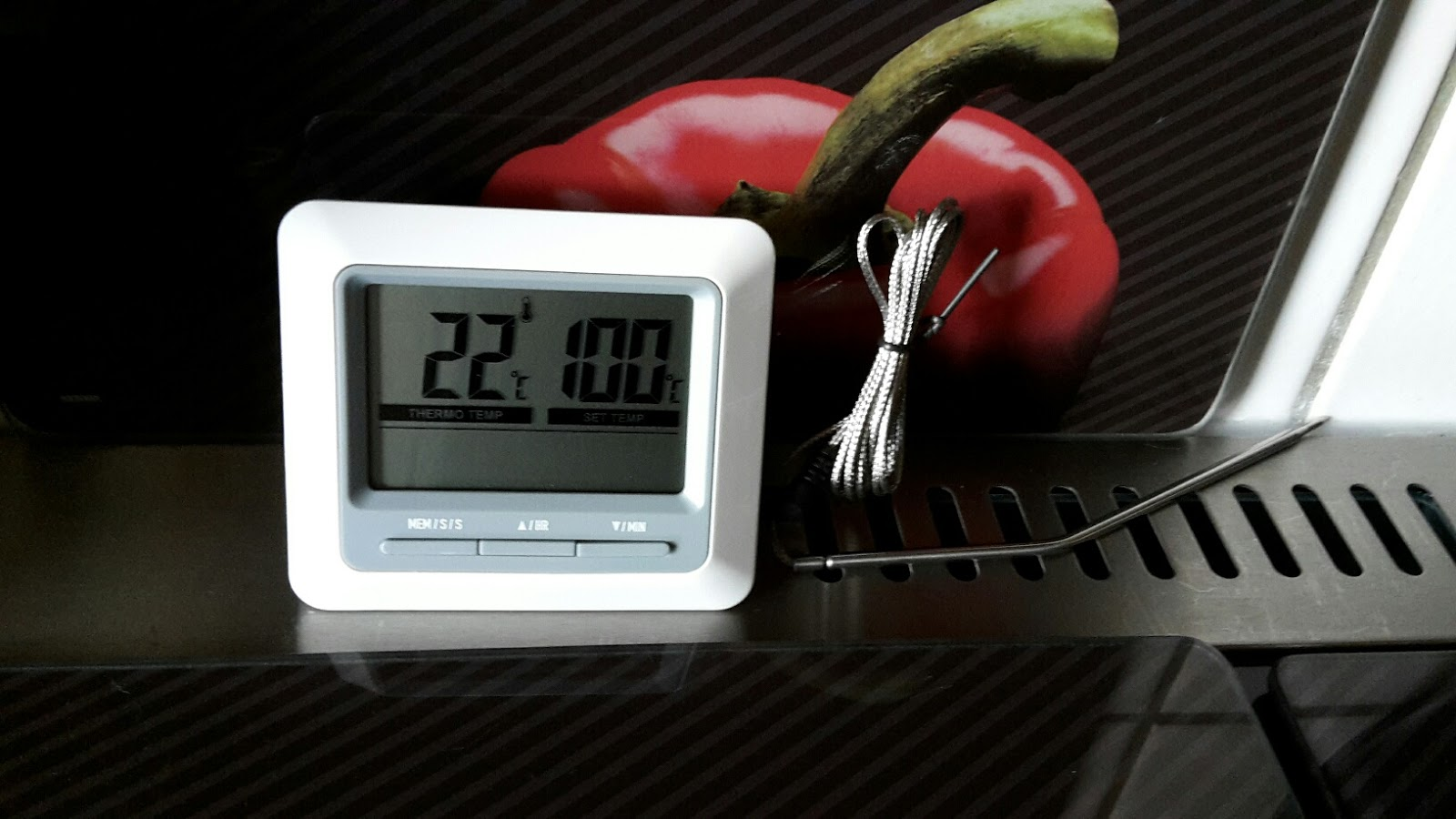 mona 39 s blog topop barbecue grill thermometer und digital. Black Bedroom Furniture Sets. Home Design Ideas