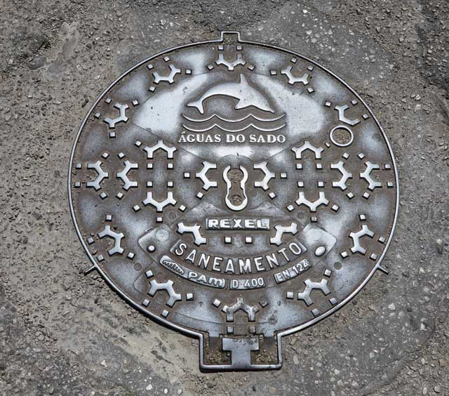 Manhole cover in Setubal