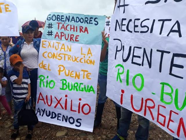 APURE: Situación calamitosa del puente caído hace más de 2 años sobre el río Burguas, entre los Estados Apure y Táchira.