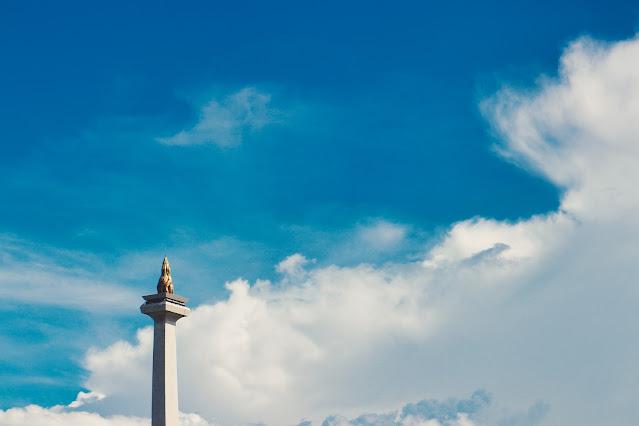 Terasing dan tersingkir di Kota Jakarta | Photo by Uray Zulfikar on Unsplash