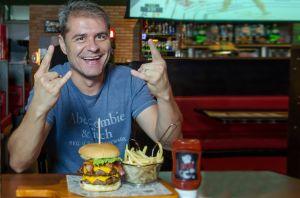 Ex-funcionário do McDonald's fatura R$ 17 milhões e vira exemplo de empreendedorismo visionário