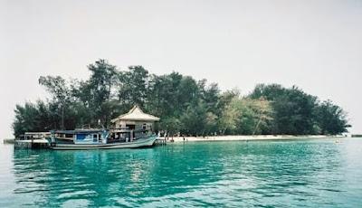 Gambar Pulau Semak Daun