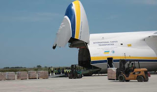 Pesawat Antonov AN124-100 Mendarat di Yogyakarta International Airport (YIA)