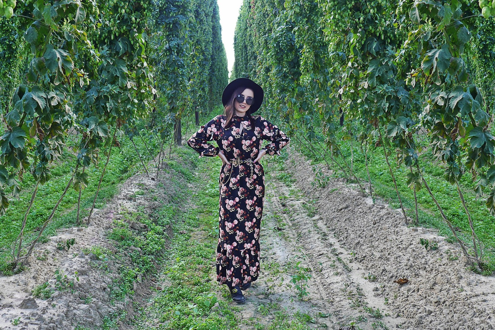 floral dress long black hat outfit look karyn fashion blogger