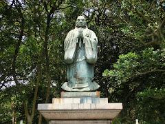 霊光寺日蓮像