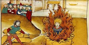Durante a Idade Média tradutores da Bíblia foram parar na fogueira