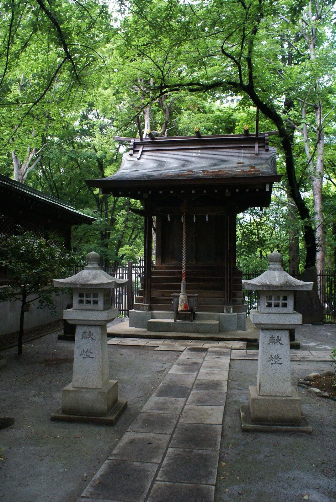 sanctuaire-shinto-parc-shinjuku