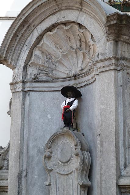Manneken Pis com roupa de gaúcho - Bruxelas - Bélgica