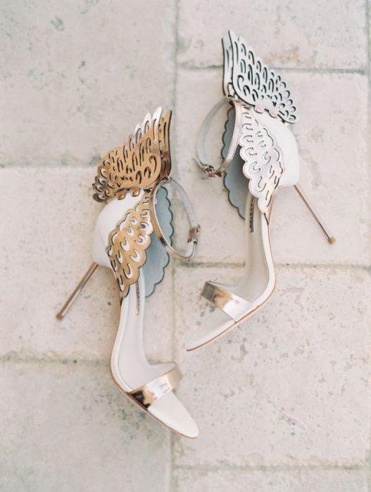 zapatos de novia con alas