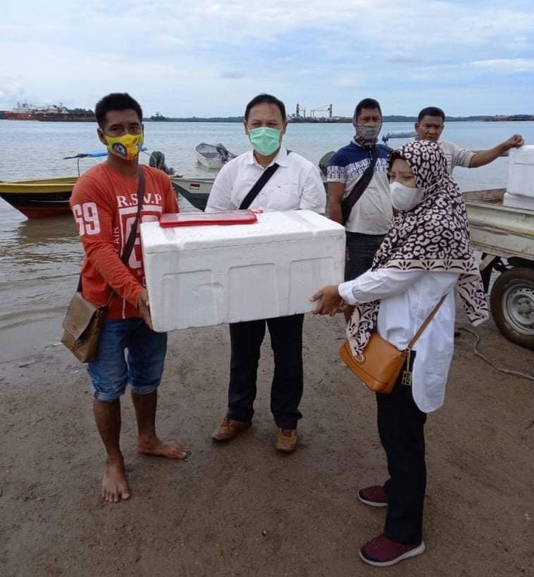 Lima Kelompok Pokdakan Mendapat Bantuan  Bibit Ikan Kerapu Bersama Pakan dan Jaring Keramba