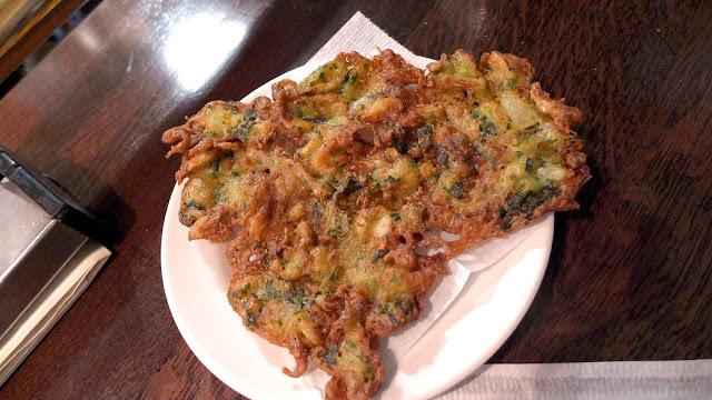 tortilla de yuyo frita peruana