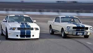 السيارات القديمة والسيارات الحديثة