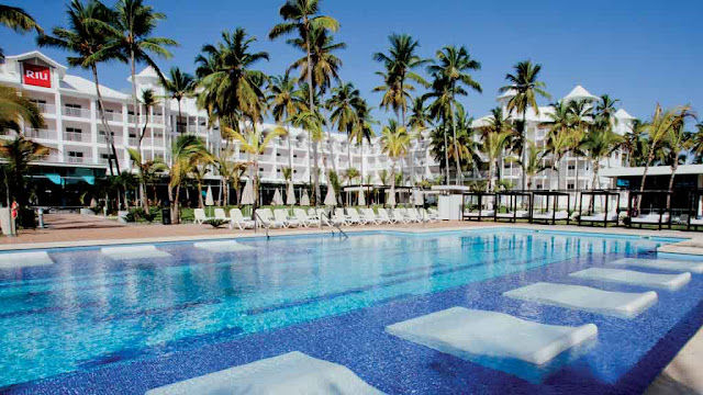 The Hotel Riu Palace Macao – Adults Only All Inclusive is an impressive complex located in the city of Punta Cana, Dominican Republic enjoying a beachfront location on Arena Gorda: a paradise of palm trees and turquoise water for perfect vacations in this Caribbean destination.