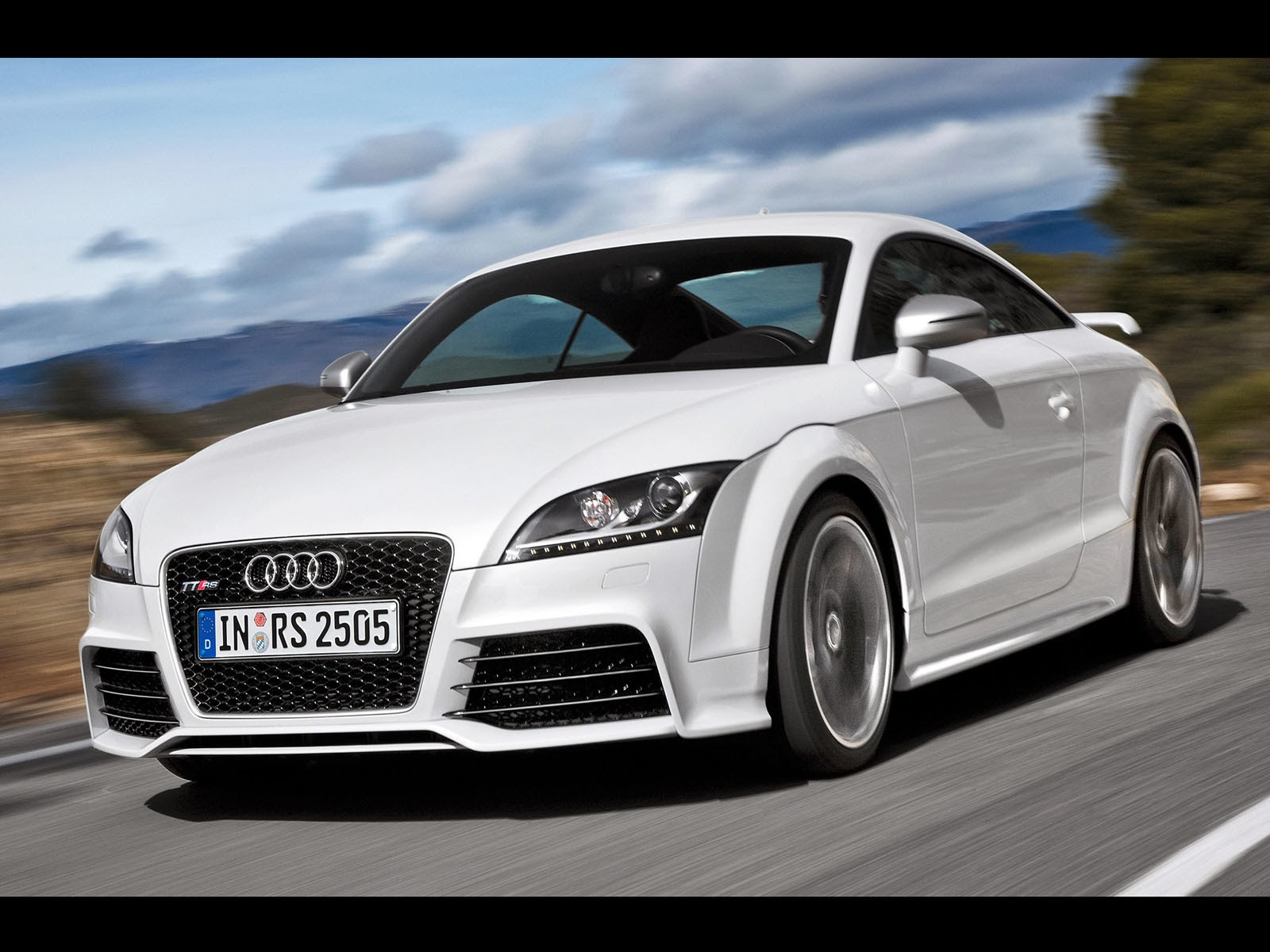 Wallpapers: Audi TT RS Wallpapers