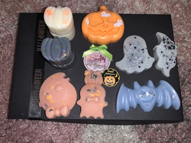 Wax melts in Halloween shapes, like pumpkins, bats and ghosts