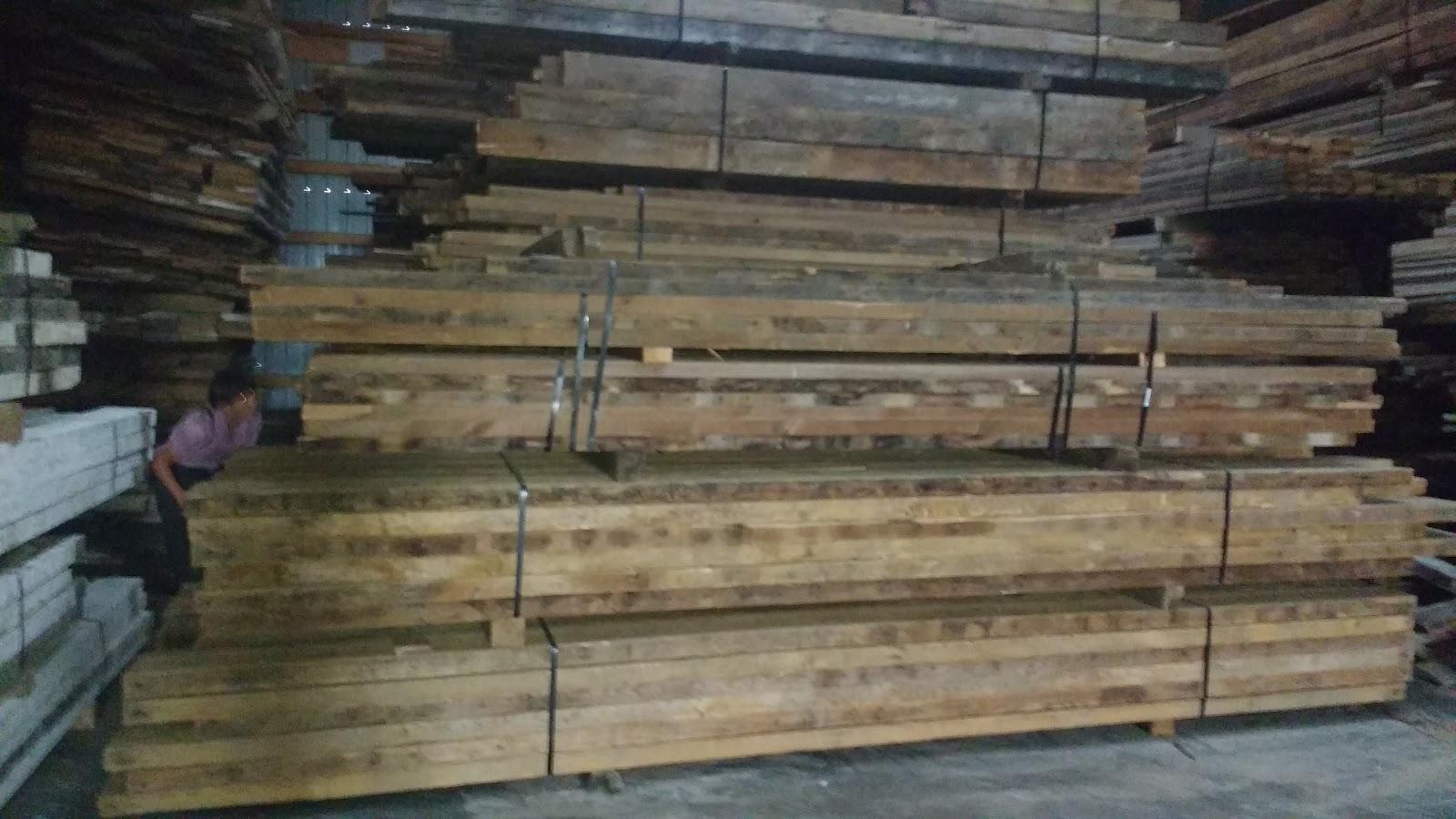 3x8 log siding hand hewn pine - Pine