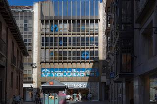 Edificio Vacolba en la calle Santiago de Valladolid