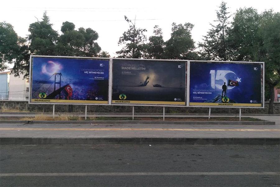 Diyarbakır'da 15 Temmuz gecesi billboardlarla yansıtıldı