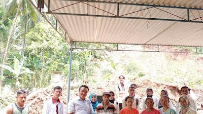 Korban Tanah Longsor Terima Bantuan dari Mahasiswa Fakultas Ilmu Sosial Universitas Muhammadiyah Purworejo