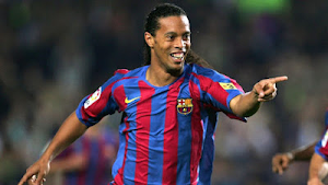 This is Why Ronaldinho's transfer to Manchester United broke down