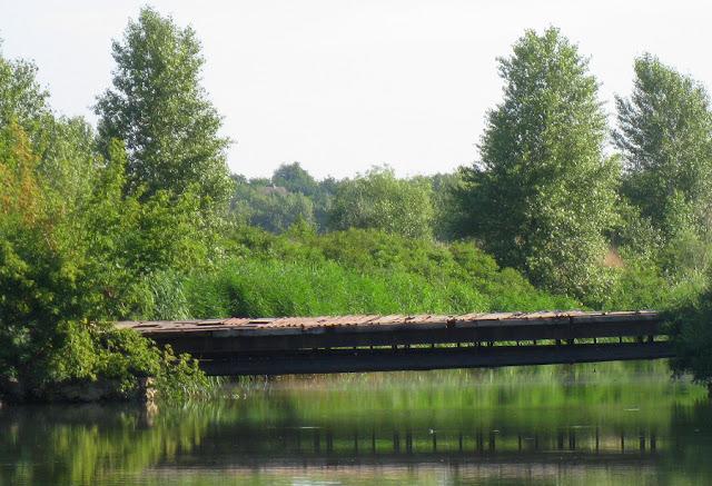 мостик через канал от Днепра
