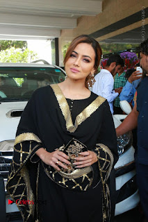 Bollywood Actress Sana Khan Launches Aakrithi Exibition  0055.JPG