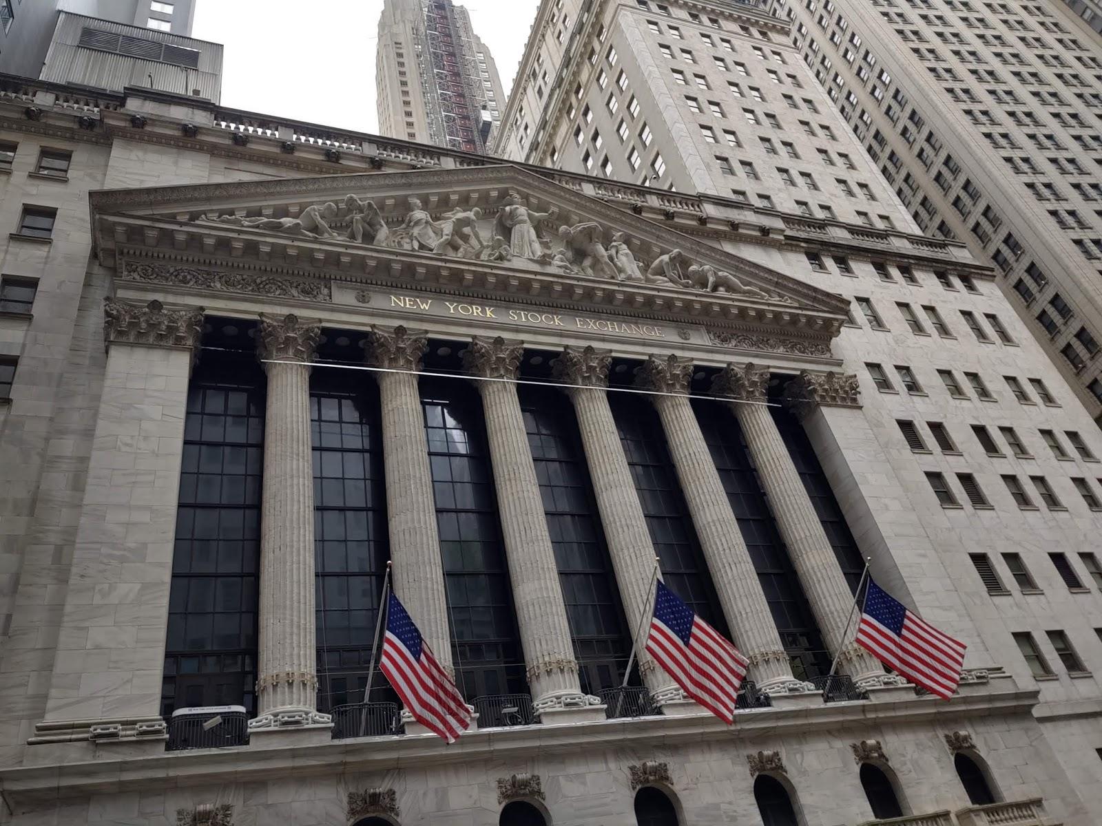 Wall Street cierra con récords en S&P 500 y Nasdaq, animado por tecnológicas
