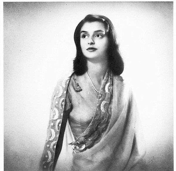 Góc khuất cuộc đời của vị Hoàng hậu đẹp nhất Ấn Độ