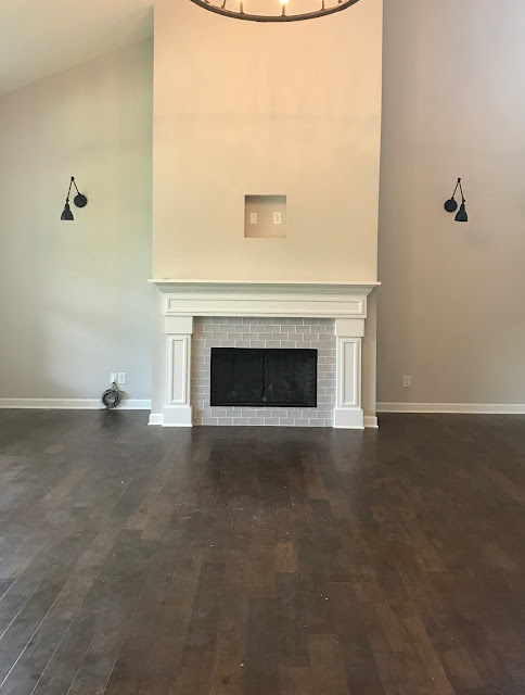 Centered fireplace with nooks