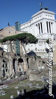 Ruínas do Foro Romano e Altar da Pátria em ROma