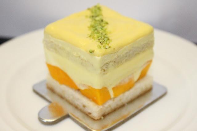 Mango Pastry. Cakes & Pastry -min