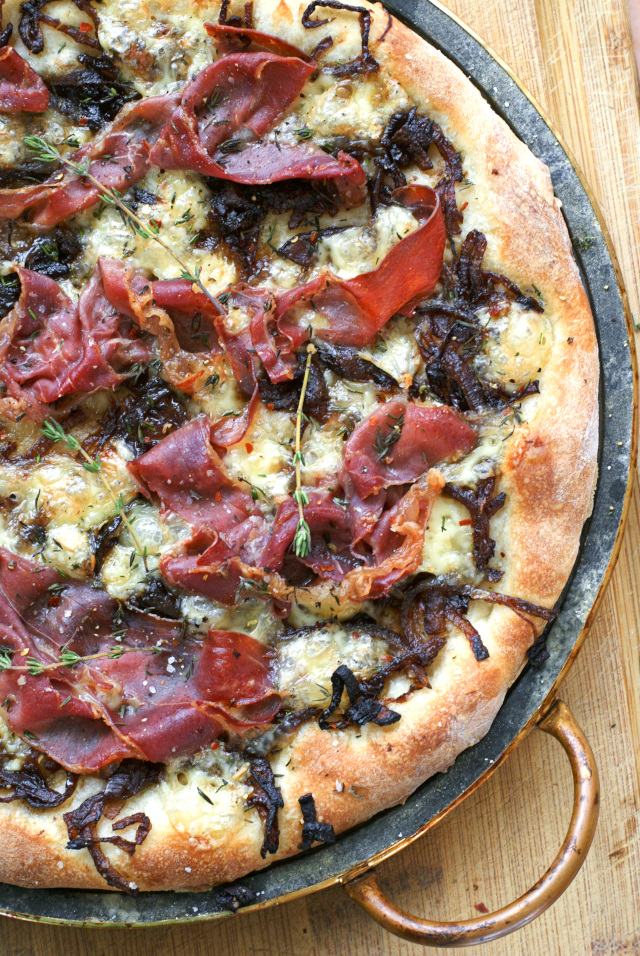 Brie, Prosciutto and Caramelized Onion Pizza