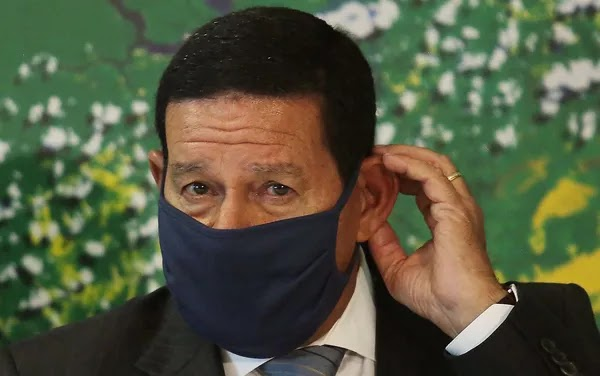 Vice-presidente Mourão é diagnosticado com covid-19