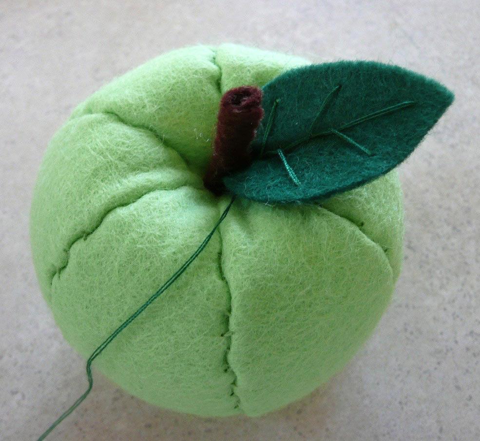 Felt Fruit Apple Pattern & Tutorial