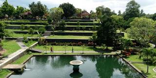Mengintip Nuansa Pesona Alam Eksotik di Taman Narmada Lombok