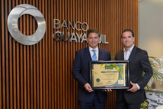 La Universidad Earth de Costa Rica reconoció a Banco Guayaquil como una empresa Carbono Neutro