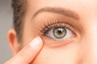 Comment se débarrasser rapidement des cernes sous les yeux