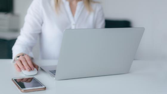 A trabalhar remotamente? Conheça sete regras que vão manter o seu negócio mais seguro on-line