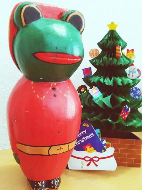 じゃらん事務所にも早速バリのクリスマス雑貨を飾ってみました! プチ良いことが起こりますように( ̄人 ̄)