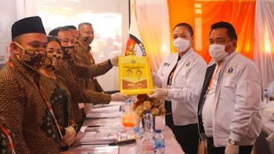 Mendaftar di KPU Minsel, MEP-VT Dikawal Pendukung Dari 177 Desa